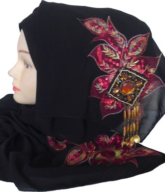 Black shayla with red motif side view