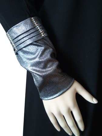 silver detail abaya sleeve view