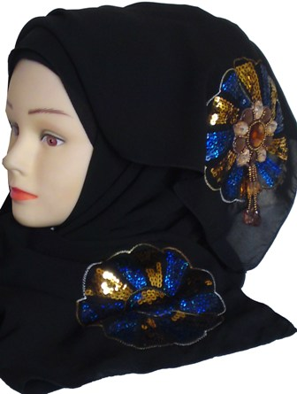 black shayla with blue motif side view